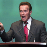 Exchange wagering horse racing bill awaits Schwarzenegger's autograph