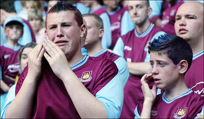 west-ham-fan-crying.jpg