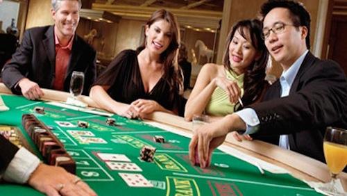 Baccarat still the king in Macau casinos