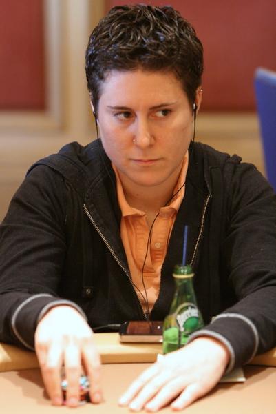World Poker Tour Borgata Poker Open: Vanessa Selbst Reaches the Final Table; Cong Pham Leads