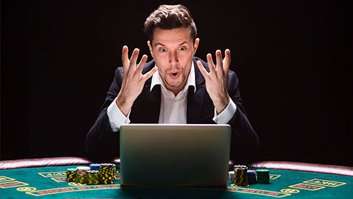 How can online poker rooms better disrupt people during online festivals