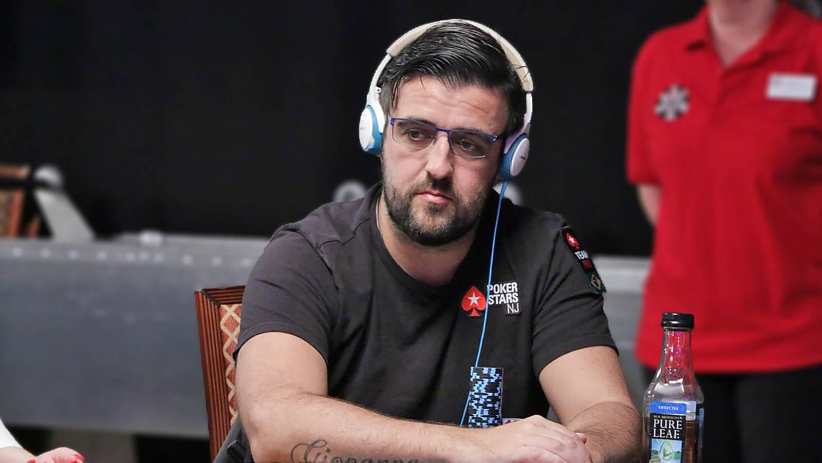 Andre Akkari helping spread poker like a fever