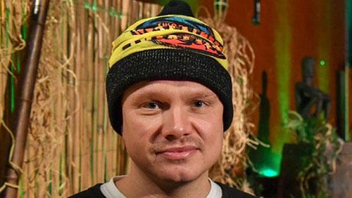 Ilari Sahamies shows survival skills on Finnish Survivor